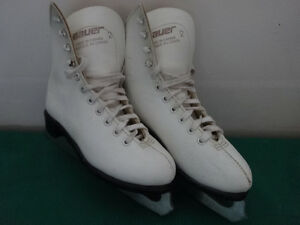 CCM and Bauer Skates from sizes 1 to 4 Cornwall Ontario image 4