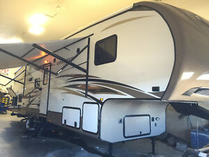 2015 Cruiser Aire 30 BH Fifth Wheel RV