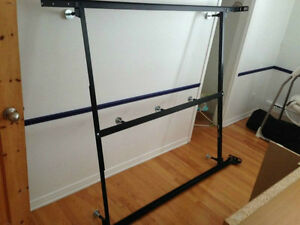 Base de lit en metal ajustable lit simple lit double for Base de lit double kijiji