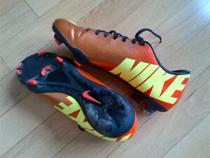 MERCURIAL Nike Soccer Shoes 7.5 (FG) Kitchener / Waterloo Kitchener Area image 3