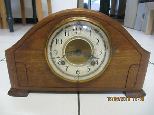 VintageThe New Haven Clock Company DuoStrike MantelClockCir1900s