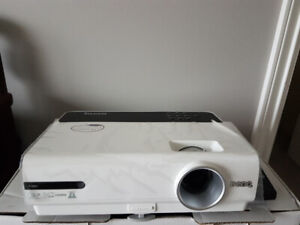 """BenQ W600+ Projector with 72"""" screen"""