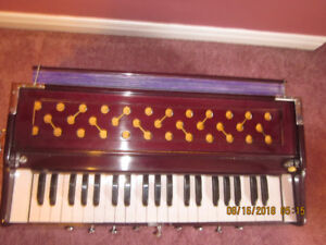 Harmonium (Indian Musical Instrument)