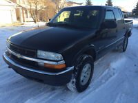 2002 Chevrolet S-10 Leather Pickup Truck crew cab