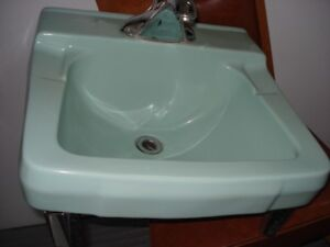 Vintage Ming Green Sink