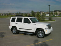 2010 Jeep Liberty Limited edition 4x4 w/ sunrider soft top LOW K