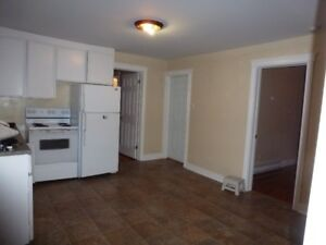 2 BR Flat with DECK & Parking-5 in walk to NSCC waterfront DART