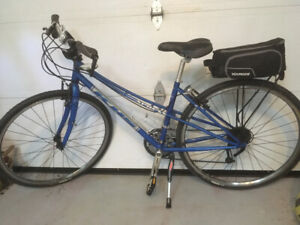 Ladies Hybrid Bicycle  -   Nearly New - Rarely Used