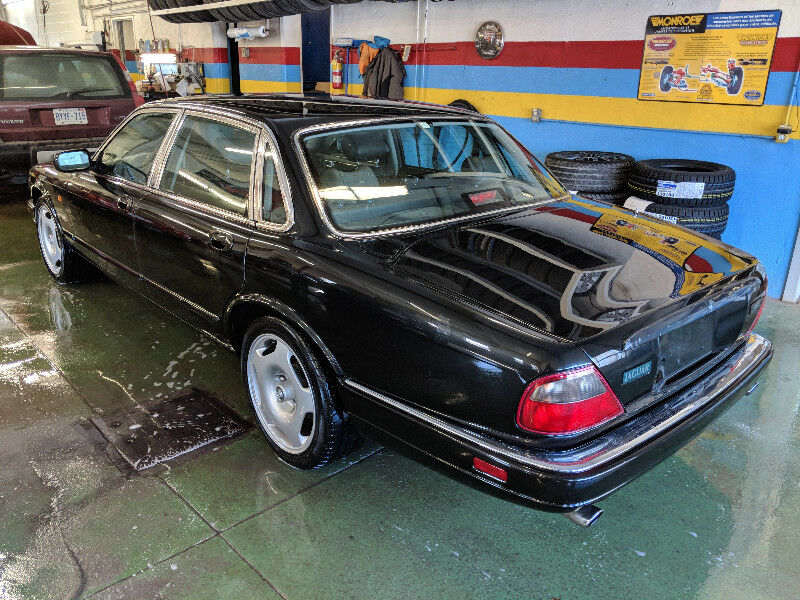 19941997 JAGUAR XJR 40 Supercharged X300 Specifications. PreOwned ...