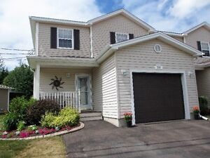 Beautiful well maintained condo in Dieppe