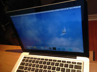 i5 MacBook Pro 500GB + 2 cases + apple remote + keyboard covers