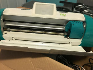 Cricut crafting machine