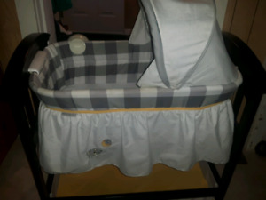 Summer Infant Classic Wood Bassinet