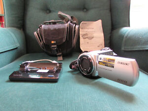 SONY DCR-SR42 30GB HARD DRIVE CAMCORDER
