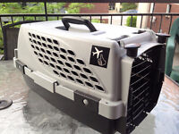 Top Quality Airline Pet Taxi/Kennel/Carrier Like New
