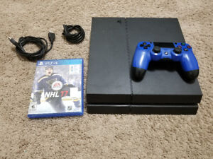 Ps4 500GB w/1 game