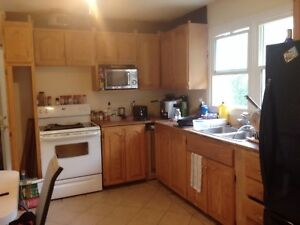 Nice 5 bedroom house at Rosement area for ent from May 1st