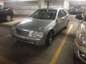 2003 Mercedes-Benz 200-Series C240 Sedan