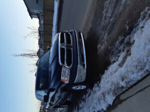 I am sellinf a dodge ram pick up truck 2014 just has 86 k on it