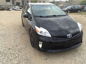 2013 Toyota Prius clean title / under warranty / private sale/