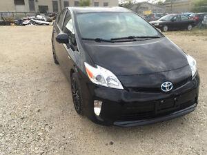2013 Toyota Prius clean title / under warranty / private sale/