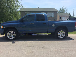 2004 Dodge Power Ram 1500 5.7 HEMI Camionnette