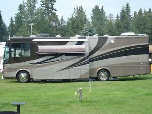 2004 CLASS A MOTORHOME PRICED TO SELL