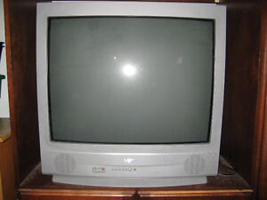 "32"" Sanyo Television - Great for gaming!"