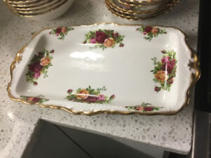 UNIQUE GIFT FOR CHRISTMAS OLD COUNTRY RED ROSE PLATTER