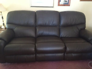 BLACK LEATHER PULL OUT RECYCLING SOFA