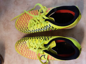 Nike magista  size 5 turf cleats