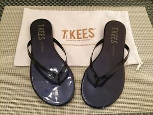 Tkees Lacquers Navy Flip Flop Sandals Size 5