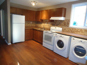 5bedroom Queen's totally renovated NOT in ghetto- 10 min