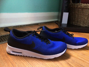 Blue Nike Air Max Shoes size 9.5