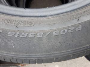2 pneus été 205/55R16