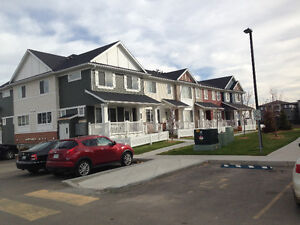 3 bedroom townhouse for lease/rent available now