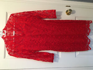 2 ladies lace dresses, lined, v-neck, 3/4 sleeves, 1 red,1 green