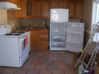 non smoking 2 bed 2nd floor in Welland quiet adults May occupanc