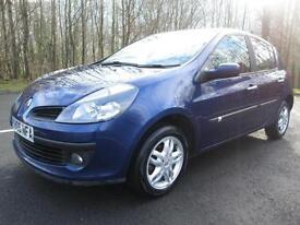 06/06 RENAULT CLIO 1.5 DCI DYNAMIQUE 5DR HATCH IN BLUE WITH ONLY 80,000 MILES