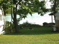 30ft Glendette Trailer with Add-a-Room Lake View