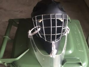 HACKVA KEVLAR/CARBON 3 JUNIOR HOCKEY HELMET