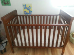 Graco Crib and Change Table