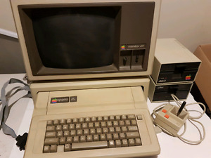 Apple IIe full computer. Works great.