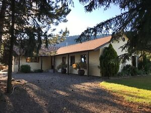 Beautiful, large family home in rural Armstrong
