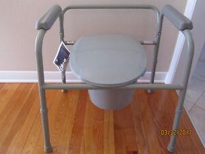 Commode, portable toilet/toilette portative