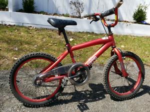Vélo enfant, roues de 15 pouces