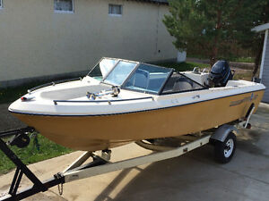 Great Shape All Around Boat for Skiing, Tubing and Fishing!!