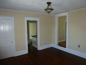 1.5 Br Flat-May/June Heat&water inc-Close to Sullivans Pond