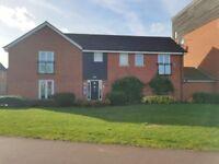 2 bedroom flat in Somerset Walk, Milton keynes, MK10