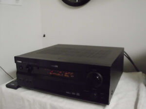 HIGH END YAMAHA WITH 3 SPEAKERS